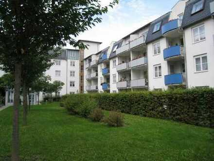 schönes 1-Zimmer-Apartment mit Balkon und Fahrstuhl - ideal für Singles - in Plauen (Reusa)