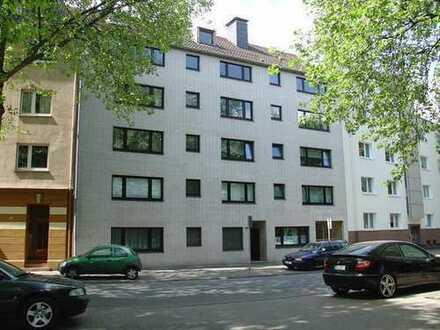 5 Zimmer Wohnung in Duisburg über 2 Etagen mit Parkblick in Citynähe