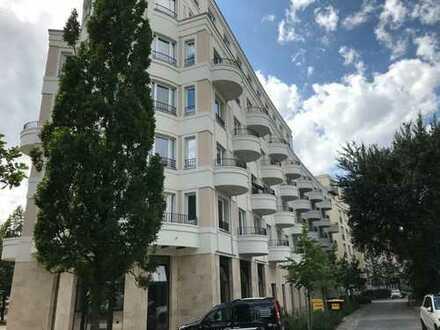 Erstbezug in Toplage - Eigentumswohnung mit Balkon im Diplomatenviertel in Berlin Tiergarten