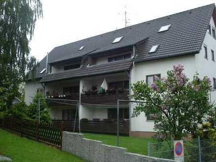 Gepflegte 3-Zimmer-Dachgeschosswohnung mit Balkon und EBK in Gäufelden/Nebringen