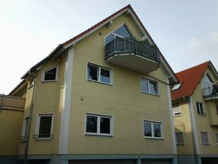 Großes, 2,5 ZKB Balkon Dachstudio, ca. 62 m² Wohn- & Nutzfläche in super Lage von Lingenfeld