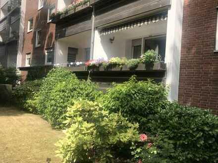 Modernisierte 3-Zimmer-Wohnung mit Balkon in Düsseldorf Reisholz