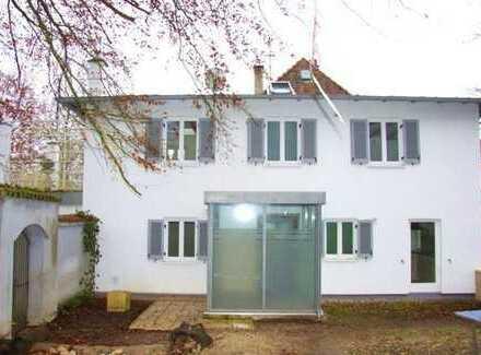 Modernes, romantisches Häuschen in Bestlage in Leitershofen!