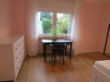 Frankfurt - Nieder-Eschbach - renovierte, möblierte 3-Zimmer-Wohnung mit EBK,
