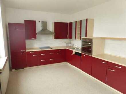 Neusanierte 3-Raum mit Einbauküche in Lichtenstein