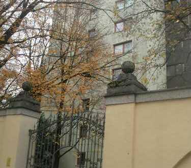 Große 3 Zimmer EG Wohnung mit Wintergarten, teilbar in 2 Wohnungen