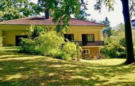 Freistehendes Einfamilienhaus mit Einliegerwohnung in Waldrandlage! Kein Makler!