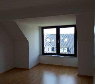 Helle, modernisierte Wohnung mit großem Balkon