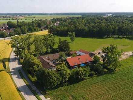 Ruhige Wohnung im ehemaligen Gutshof im Südosten von München