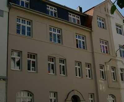 tolle Dachgeschosswohnung mit Balkon für Anleger