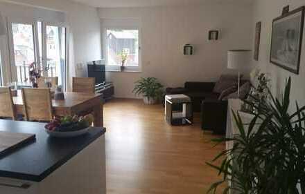 Moderne Wohnung in bester Lage Weinheims mit Burgblick