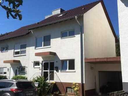 5-Zimmer-Doppelhaushälfte in Bruchköbel-Roßdorf von Privat