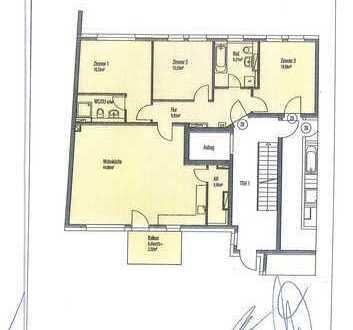 Neuwertige 4 Zimmer Wohnung mit Balkon und EBK in Berlin-Treptow