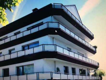 Gepflegte 2-Zimmer-Dachgeschosswohnung mit Balkon in Herdecke
