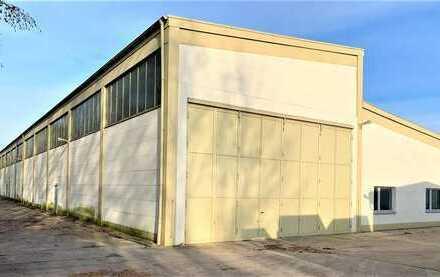 HH17 - Stahlbetonhalle mit Großen Einfahrtstoren und LKW Grube