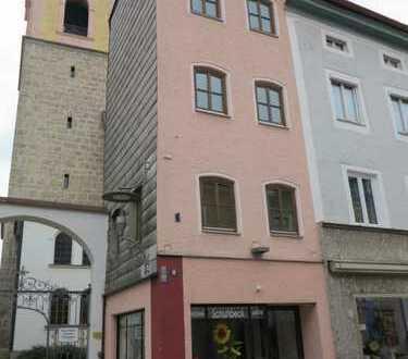 Top Kapitalanlage! Vermietetes Reihenhäuschen mitten in Teisendorf!