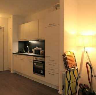 Urbanes Wohnen in der Hafenstadt - modernes 1 Zimmer-Apartment mit Einbauküche und Balkon