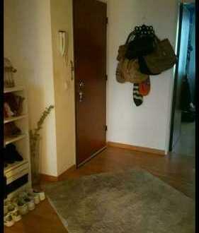 Nachmieter für Helle freundliche Wohnung in Ddorf-Bilk gesucht. MÖBELÜBERNAHME PFLICHT!