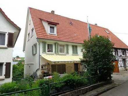 Doppelhaushälfte mit Garage und Terrasse in Bad Urach-Wittlingen
