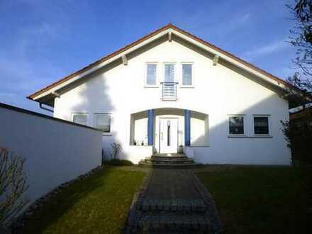 Einfamilienhaus mit Doppelgarage und Einliegerwohnung in Eberdingen-Nussdorf