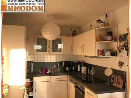 Schöne 2-Zi. Wohnung mit BALKON und EINBAUKÜCHE