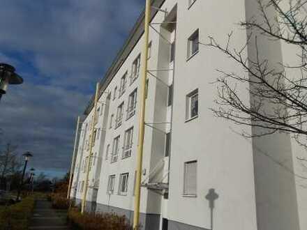Gut gemietet: Großzügige 2-Zimmer-Wohnung mit Balkon in Nauen!