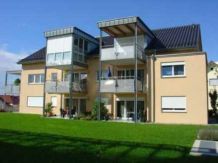 Vollständig renovierte 4,5-Zimmer-Wohnung mit Balkon und EBK in Baindt