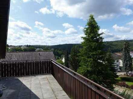 Herrliche Dachgeschosswohnung mit großem Balkon