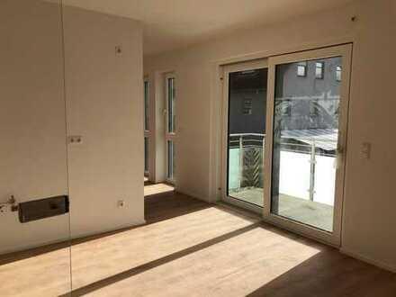Erstbezug / Moderne, helle, großzügige Wohnung mit Balkon