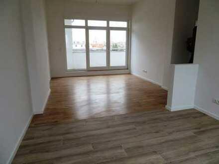 Wunderschönes Dachgeschoss mit 3,50m Deckenhöhe, Terrasse und Fußbodenheizung!