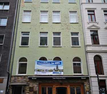Leerstehendes Mehrfamilienhaus - Agnesviertel