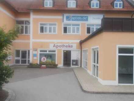 Büroflächen in Geschäftshaus mit ausreichend Parkplätzen (direkte Anbindung zur B22)