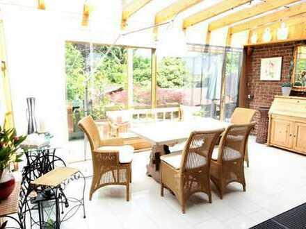 Licht durchflutete Doppelhaushälfte in bester Wohnlage Viersens mit Garten, Wintergarten und Kamin!