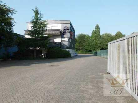Riesiges Wohn- und Geschäftshaus  mit Tiefkühlhäusern und Lagerhallen für Anleger und Gewerbetreib