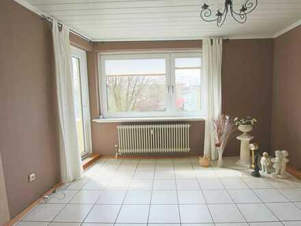 Schöne 3- Zimmer Wohnung im 2. OG