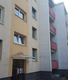 Helle, gepflegte 3-Zimmer-Wohnung mit Balkon und EBK