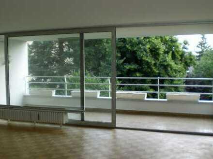Gepflegte 4-Zimmerwohnung mit Charme in Rodenkirchen in direkter Rheinnähe