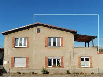 Dr. Lehner Immobilien NB -  Frisch renovierte 4-Zi-Wohnung mit Dachterrasse zu vermieten