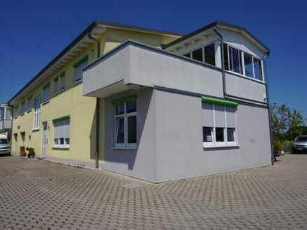 TOP GEPFLEGT Gewerbegebäude mit zwei Wohneinheiten in Steinmauern