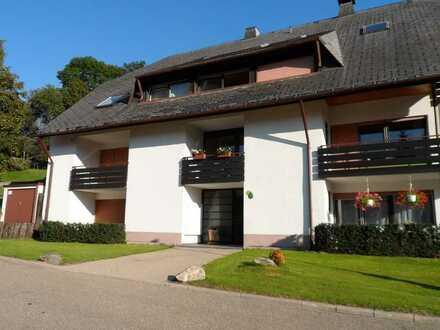 * Gepflegte 2-Zi-Wohnung zum Wohlfühlen mit Balkon und EBK in Oberried-Hofsgrund *