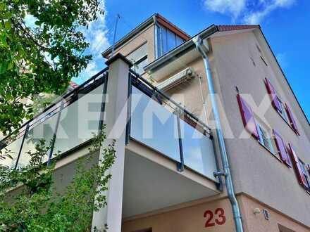 Modern, exklusiv, gepflegt! 3-Zi-Wohnung mit Balkon, EBK, Stellplatz und Garage.