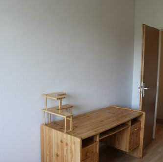 gemütliche 3er WG mit Wohnzimmer sucht Mitbewohner/in