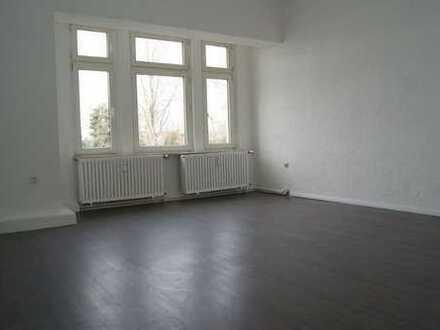 Leerstehende Eigentumswohnung mit 130m² direkt am Kaiser-Park in Essen - Altenessen