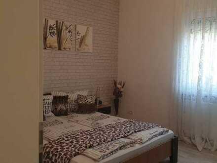 Sanierte Wohnung mit zwei Zimmern sowie Balkon und EBK in Balingen