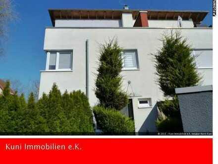 gepflegte und großzügige Doppelhaushälfte, neuwertig, Baujahr 2005!!!