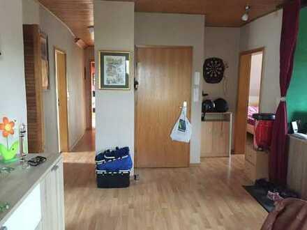 Schöne vier Zimmer Wohnung in Siegen-Wittgenstein (Kreis), Netphen