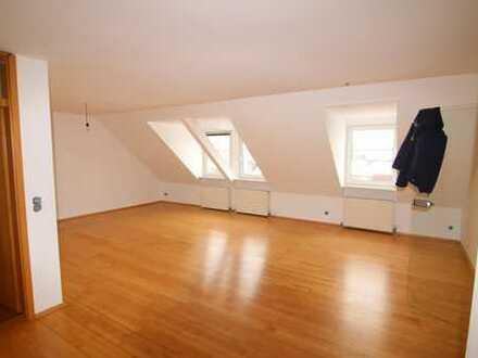 für Monteure!!schöne Dachgeschoss-Wohnung möbliert