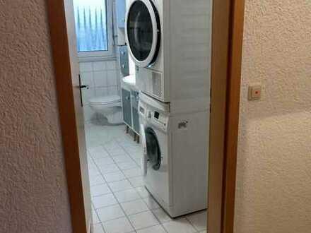 Gepflegte 2,5-Raum-DG-Wohnung mit Einbauküche in Bickenbach