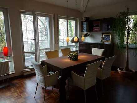 Stilvolle 3-Zimmer-Penthouse-Wohnung mit Balkon und Einbauküche in Sendling/Ludwigsvorstadt