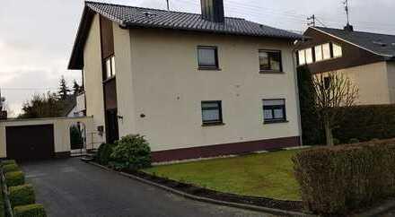 Attraktive 2-Zimmer-EG-Wohnung mit Terrasse und Einbauküche (zum verkaufen) in Altenkirchen